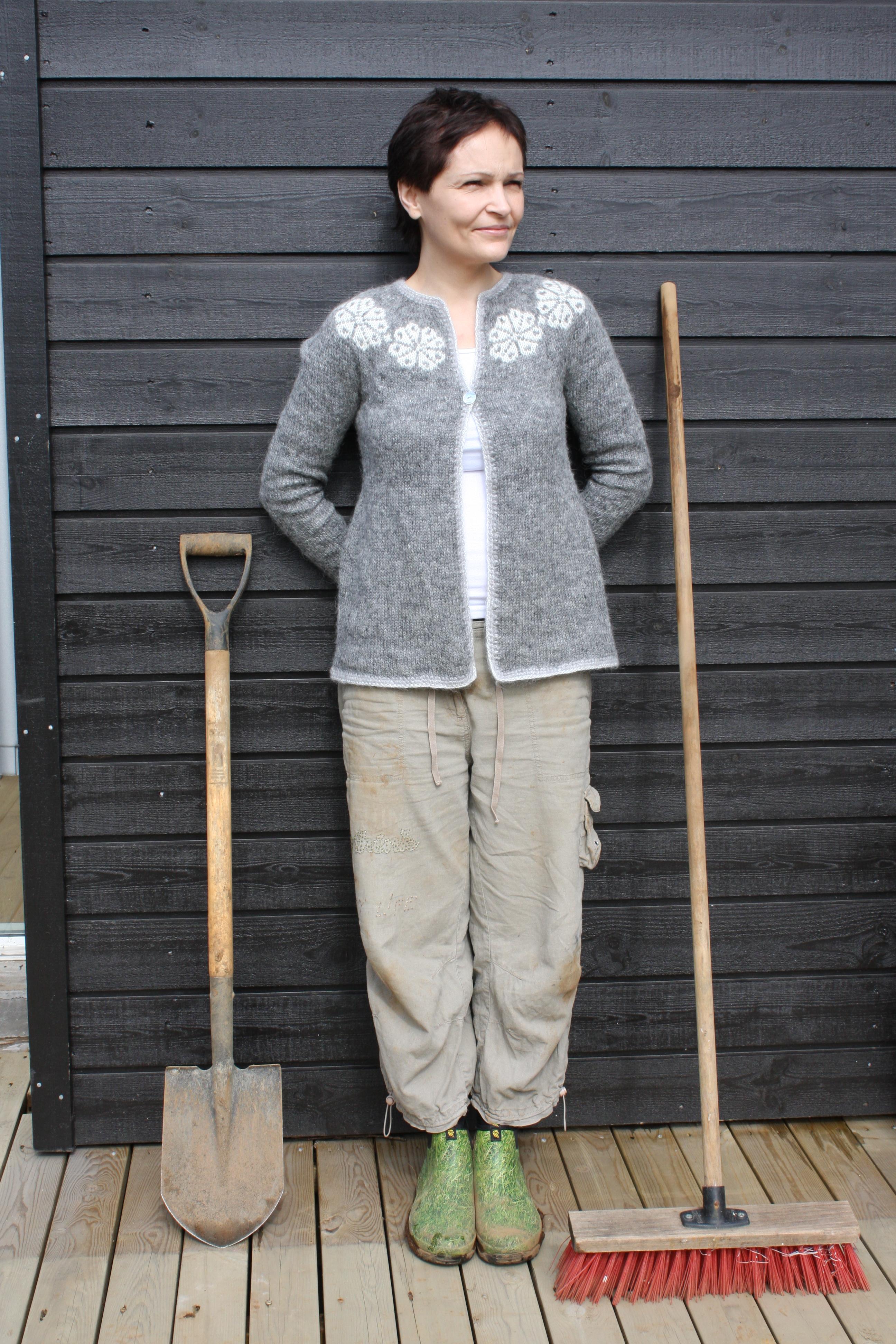 Knitted Balls Pattern : FREE LOPI SWEATER PATTERNS   Free Patterns
